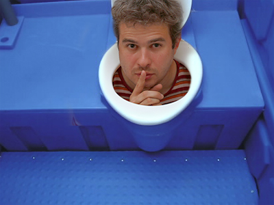 hiding-in-toilet